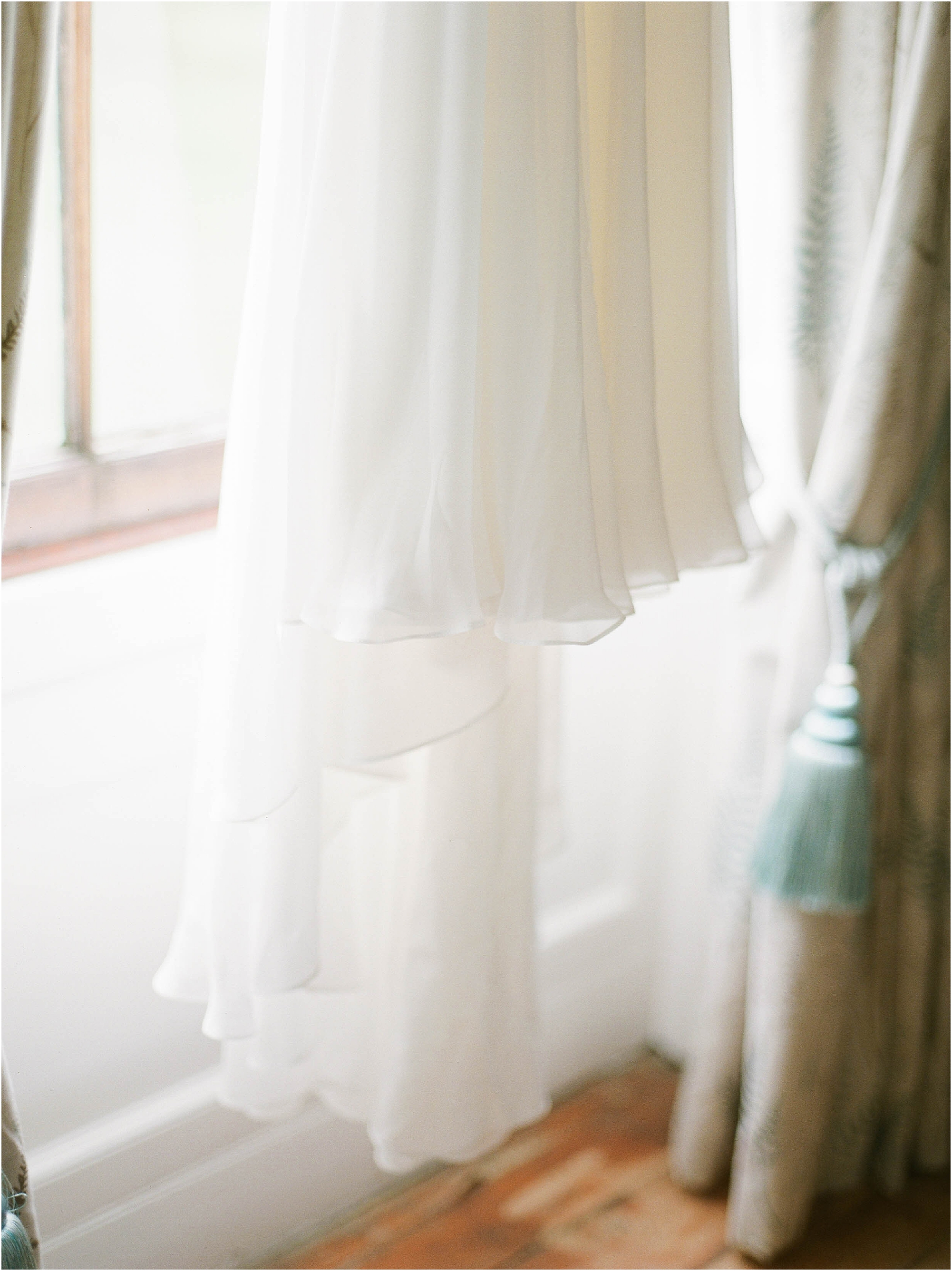 Silk details of Naomi Neoh wedding dress